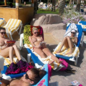 amateur-public-nudes-whilst-on-vacation-at-the-beach13_big