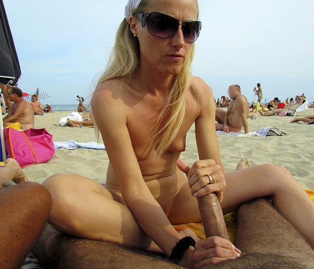 sucking Free beach nude galleries cock