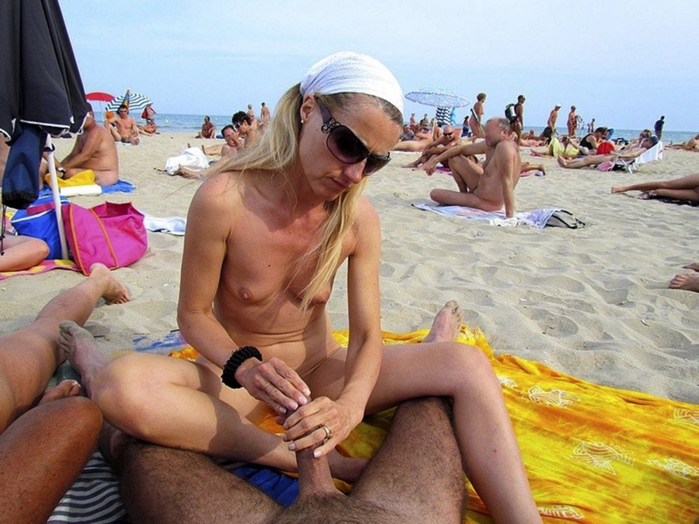 Have Hand job at beach naked can