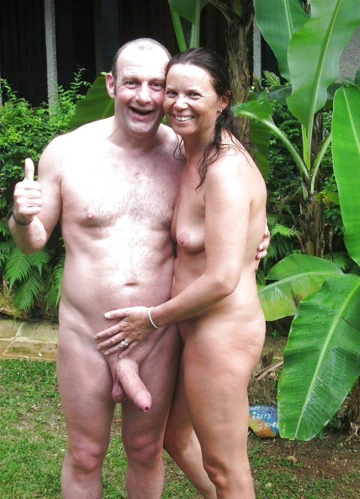 Couples naked in public #10