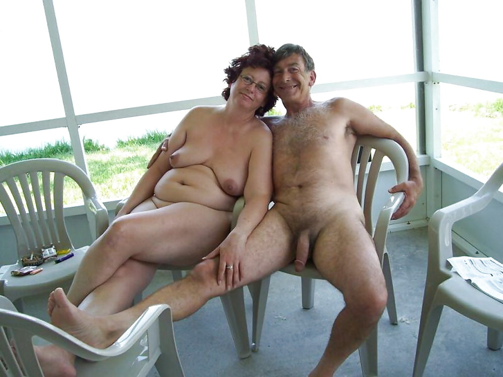 Nude outdoors threesome